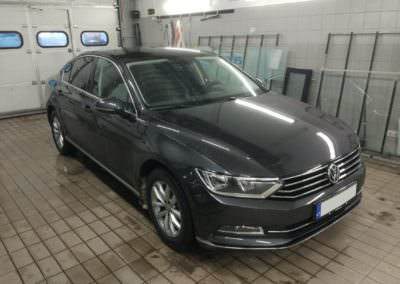 ATR 15 on factory tinted VW Passat B8 front